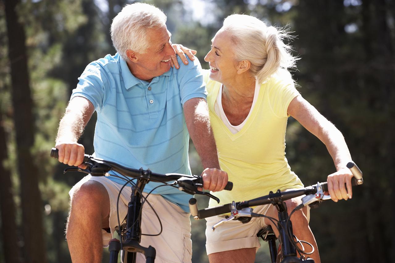 Картинки пожилые люди и активный образ жизни, новым годом